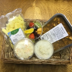 Meal Deal 3: Chicken Curry ,coleslaw, potato salad ,Fresh Chip pack ,fruit tub.
